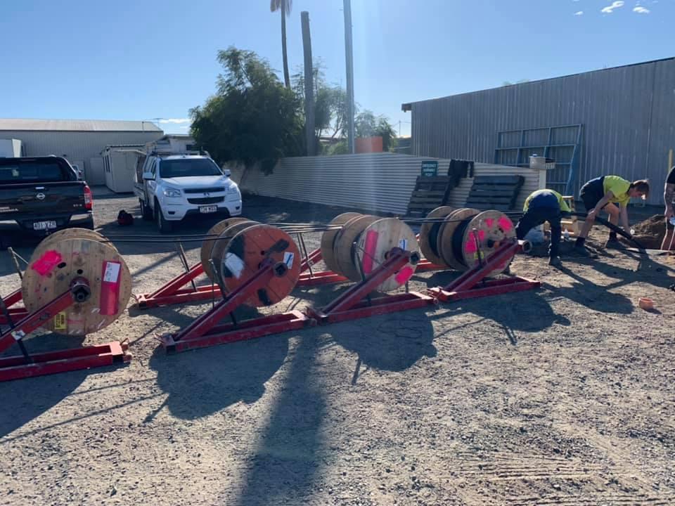 Brisbane electricians fixing data cables